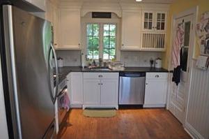 371 Dorothy kitchen 3